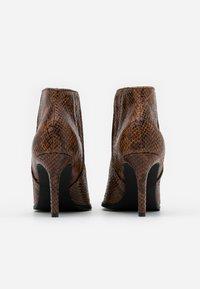Vero Moda - VMLIZA  - High heeled ankle boots - cognac - 3