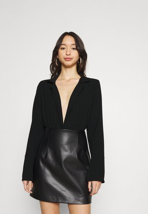 PLUNGE COLLARED FLARE - Blouse - black
