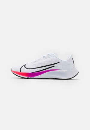 AIR ZOOM PEGASUS 37 - Obuwie do biegania treningowe - white/flash crimson/hyper violet