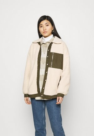 FQVIVI - Light jacket - birch/olive