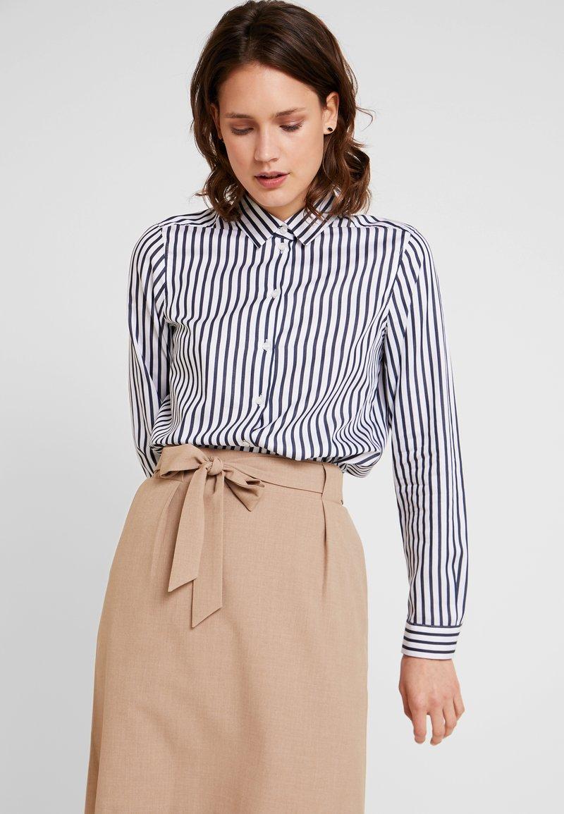Seidensticker - FASHION - Button-down blouse - dark sapphire