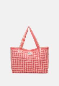 CECILIE copenhagen - BAG LARGE DOGTOOTH - Shopping bag - emberglow - 1