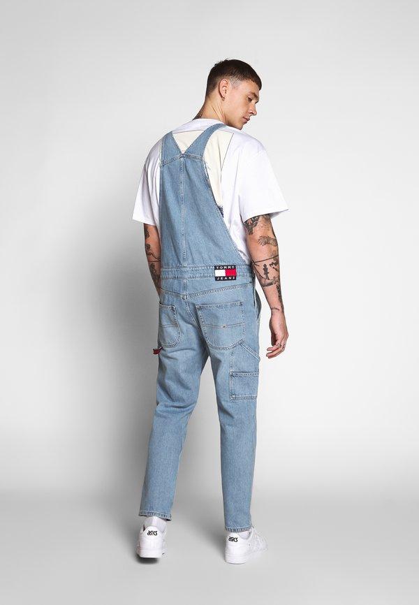 Tommy Jeans DUNGAREE - Ogrodniczki - light-blue denim/jasnoniebieski Odzież Męska BUDW