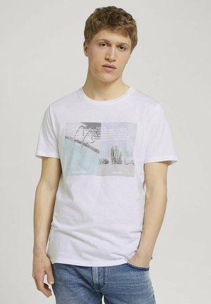 MIT FOTOPRINT - Print T-shirt - white