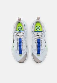 Nike Sportswear - CRATER IMPACT UNISEX - Trainers - pure platinum/black/electric green/racer blue/college grey - 3