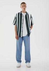 PULL&BEAR - Jeans straight leg - mottled blue - 1