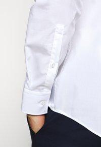 HUGO - KERY - Formal shirt - open white - 6