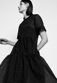 Victoria Victoria Beckham - EXAGERATED DRESS - Cocktail dress / Party dress - black - 3