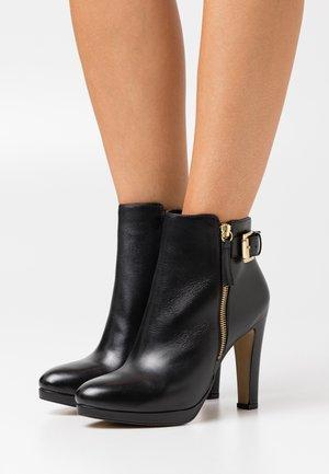 VASKEN - Platform ankle boots - noir