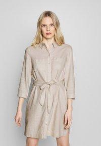 Esprit - Skjortklänning - sand - 0