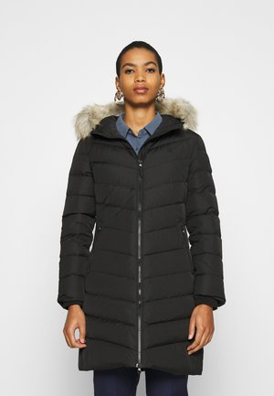 LONG FITTED PUFFER - Dunkåpe / -frakk - ck black