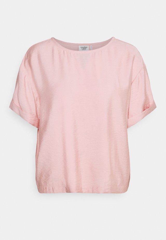 DAHLIA - T-shirts basic - dusty pink