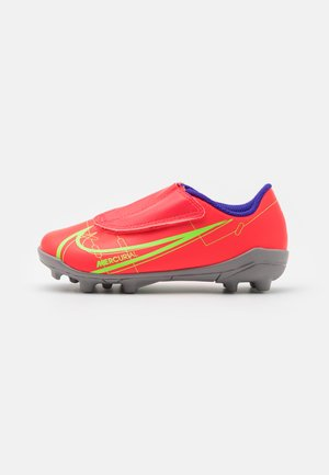 MERCURIAL JR VAPOR 14 CLUB MG UNISEX - Moulded stud football boots - bright crimson/metallic silver