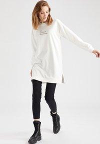 DeFacto - Sweatshirt - ecru - 5