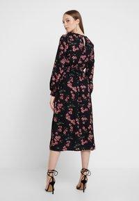 Vero Moda - VMMALLIE SMOCK DRESS - Day dress - black/mallie - 3