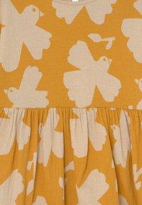 Lindex - MINI DRESS LOOSE FIT - Jersey dress - dark dusty yellow - 2