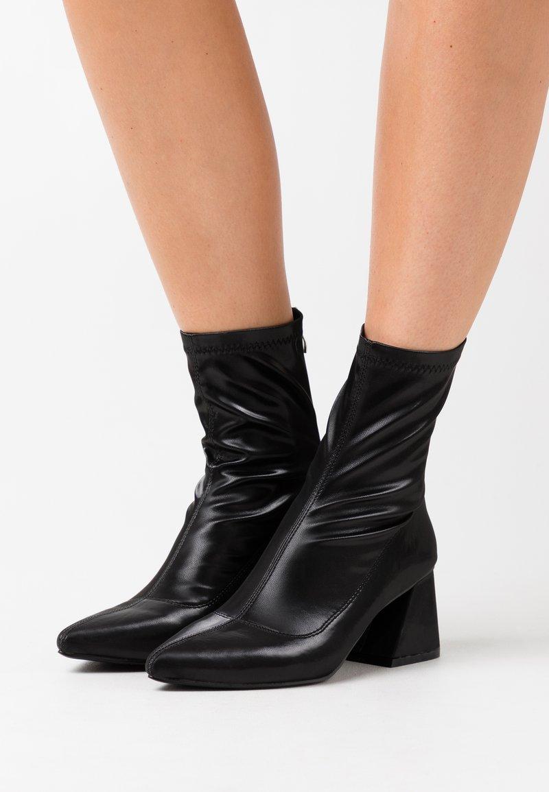 BEBO - GUTSY - Støvletter - black