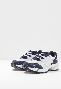 ASICS SportStyle - GEL-1090 - Sneakers - white/pure silver - 4