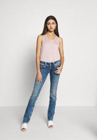 Pepe Jeans - VENUS - Slim fit jeans - stone blue denim - 1