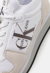 Calvin Klein Jeans - RUNNER SOCK LACEUP  - Tenisky - bright white - 5