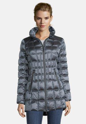 Winter coat - real teal