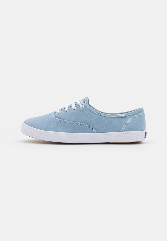 CHAMPION  - Sneakers laag - ashley blue