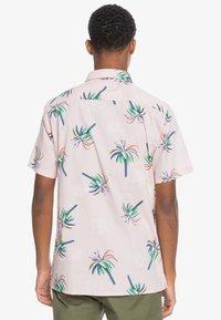 Quiksilver - Shirt - soft pink royal palms - 2