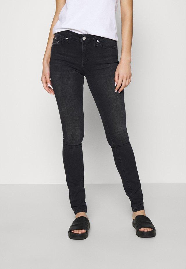 MID RISE SKINNY - Jeans Skinny - washed black