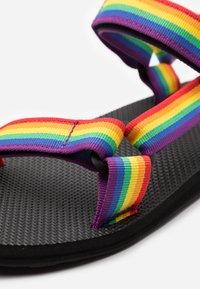 Teva - ORIGINAL UNIVERSAL - Chodecké sandály - rainbow/black - 5