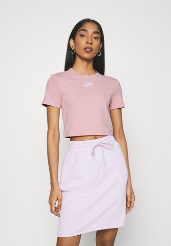 AIR TOP CROP - Camiseta estampada - pink glaze/white