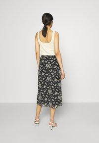 Even&Odd - Mesh midi skirt with lettuce hem - A-line skjørt - black - 2
