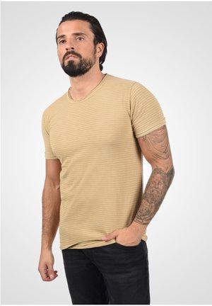 T-shirt basique - curds & wh