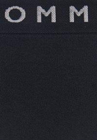 Tommy Hilfiger - SEAMLESS THONG - Stringit - desert sky - 5