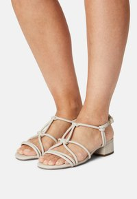 s.Oliver - Sandals - cream - 0