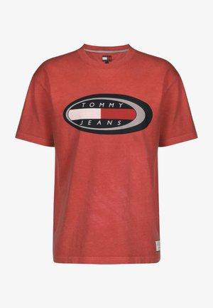SUMMER OVAL - Print T-shirt - cardinal