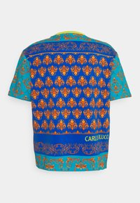 Carlo Colucci - COLOURS UNISEX - Print T-shirt - petrol - 7