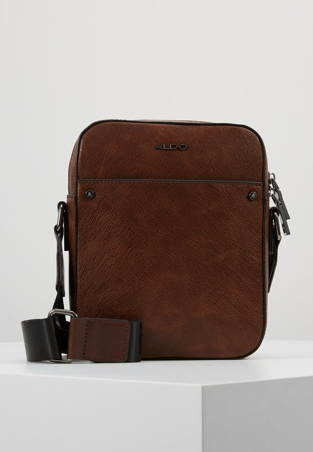 POANI - Sac bandoulière - dark brown