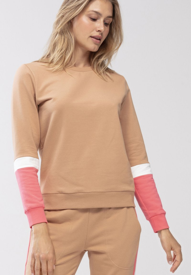 Mey - HOMEWEAR SWEATER SERIE NIGHT2DAY - Sweatshirt - macadamia