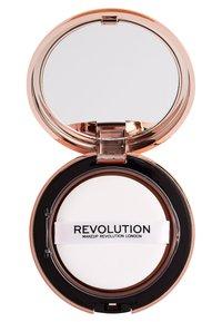 Make up Revolution - CONCEAL & DEFINE POWDER FOUNDATION - Foundation - p10.2 - 2