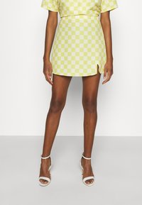 Glamorous - MAYA CARE FLORAL PRINTED MINI SKIRT - Mini skirt - green checkboard - 0