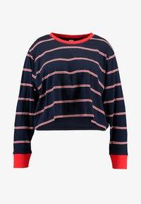 Urban Classics Curvy - LADIES SHORT DYED SKATE STRIPE - Long sleeved top - midnightnavy/red - 4