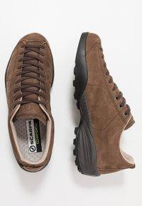 Scarpa - MOJITO URBAN GTX - Zapatillas de senderismo - chocolate - 1