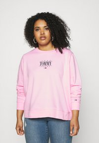 Tommy Jeans Curve - ESSENTIAL LOGO CREW - Sweatshirt - romantic pink - 0