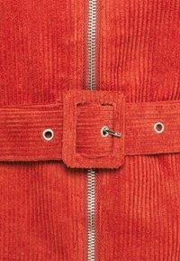 Glamorous Petite - LADIES DRESS - Košilové šaty - burnt orange - 5