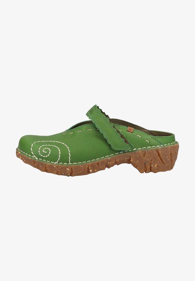 Clogs - grün