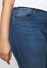 ONLY Carmakoma - CARLAOLA LIFE - Skinny džíny - medium blue denim - 4