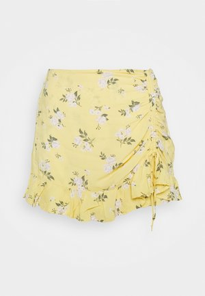 RUFFLE SKORT - Shorts - yellow