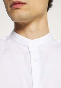 Selected Homme - SLHSLIMBROOKLYN  - Shirt - white - 4