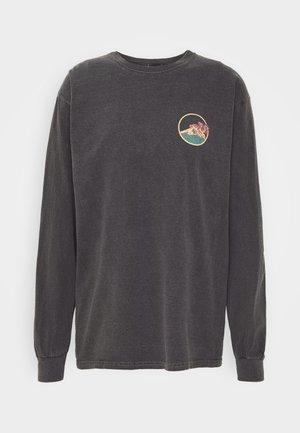 SKATE GRAPHIC TEE - Topper langermet - washed black