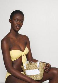 Seafolly - SPLASH DOT TWIST TIE FRONT BANDEAU - Bikini top - lemon butter - 5